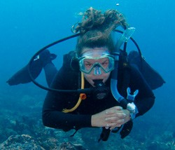 Stephanie Wenclawski '16 scuba diving off the coast of Bali, Indonesia.