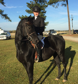 Leanne Nieforth '16 with her horse, Bentley